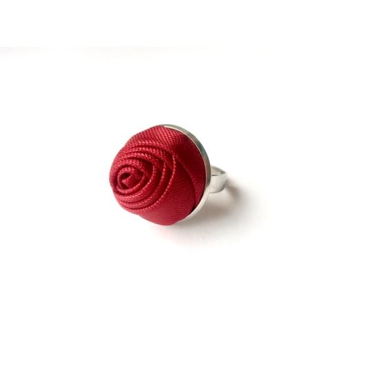 Bordó rózsás gyűrű