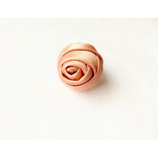 Rózsaszín rózsás gyűrű