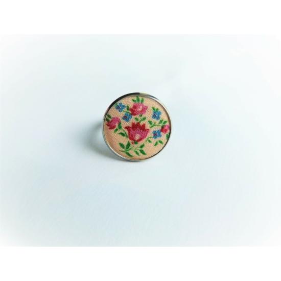 Apró virágos gyűrű