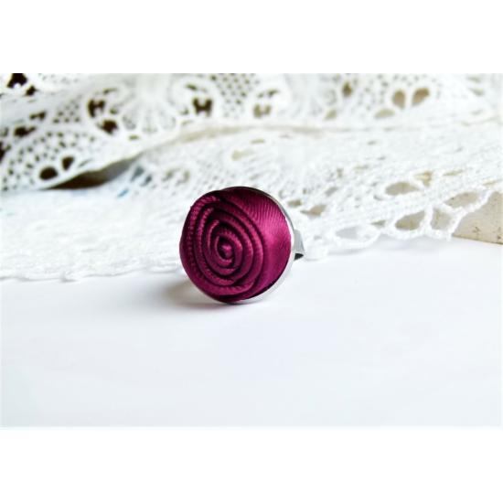Bíbor rózsás gyűrű