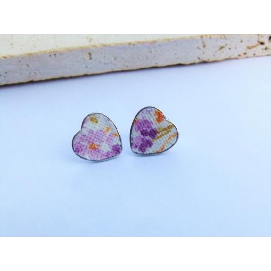 Szív fülbevaló lila virágmintával